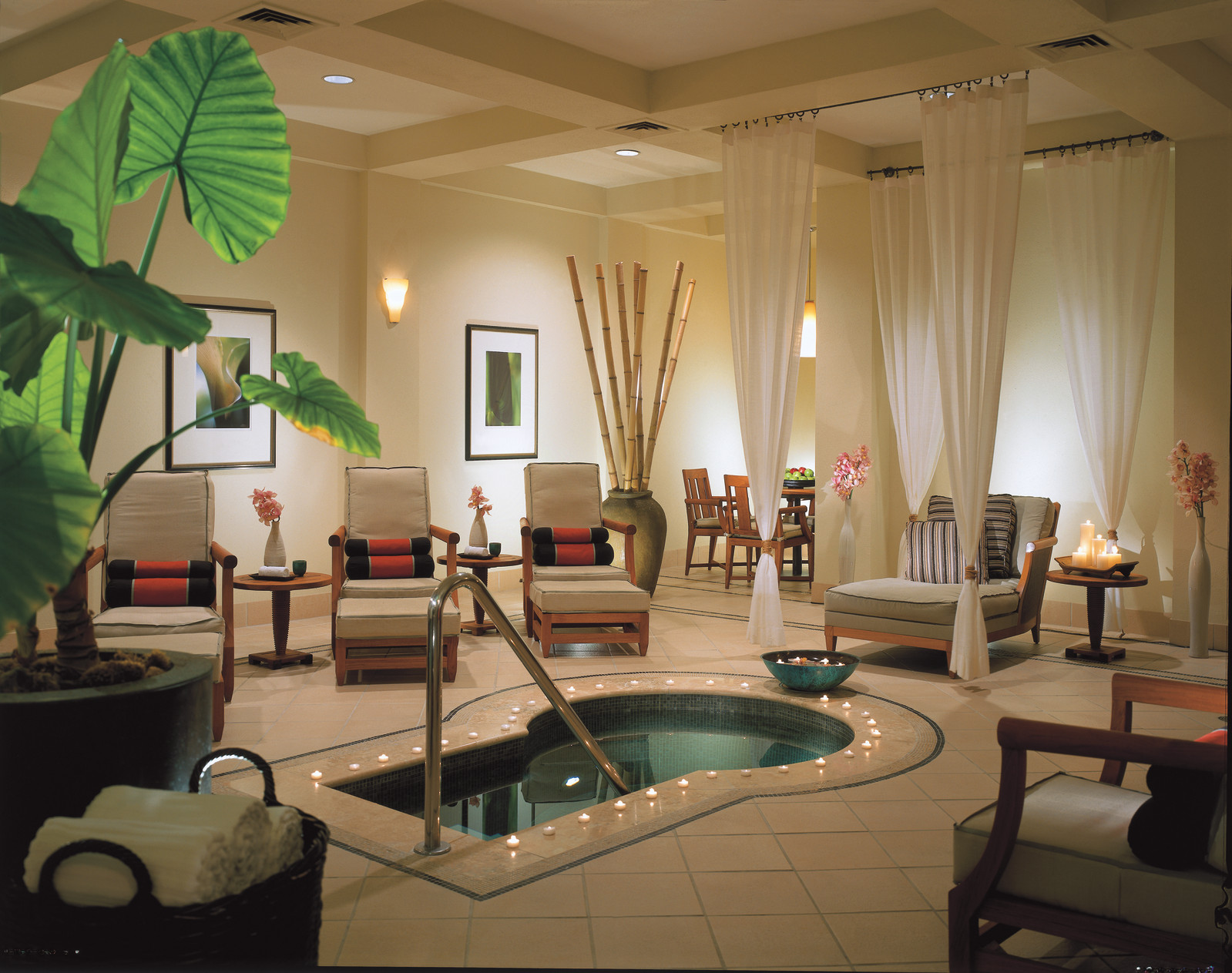Four Seasons Nail Spa Dallas