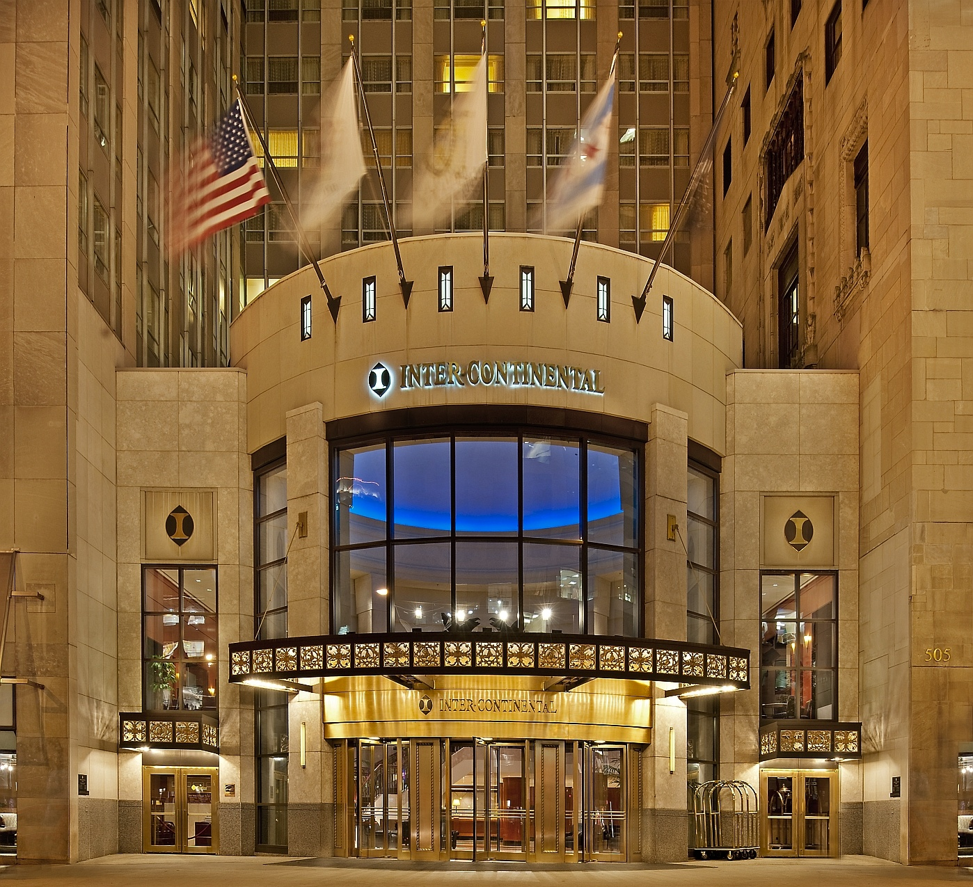 The intercontinental chicago magnificent mile for Spa weekend getaway chicago